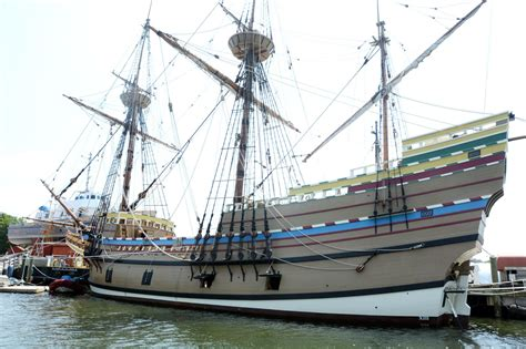 The Mayflower II plans to make sail and start for home