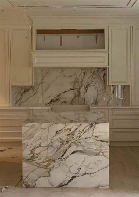 Kitchen: Neolith Calacatta Luxe   Marble Trend   Marble