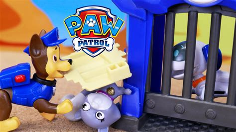 Paw Patrol Robo Dog Caged and Saved by the Air Rescue Air